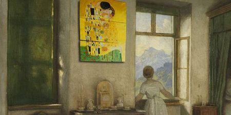 アートパネルは壁に吊り下げて楽しむアート